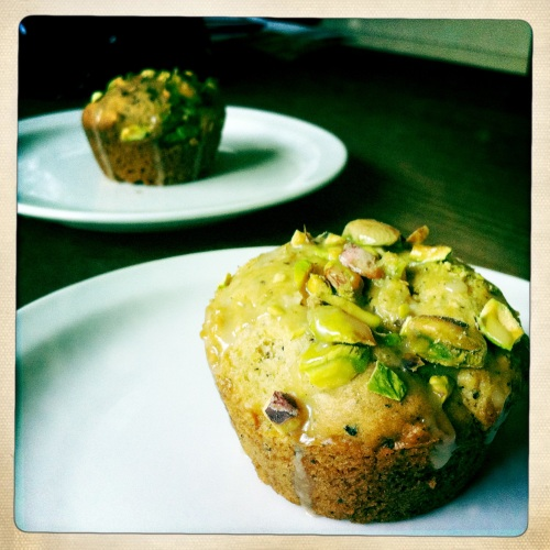 Pistachio-Chai muffins on plates